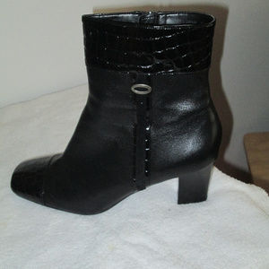 """Naturalizer """"Truth"""" black croc leather boots 9W/9"""
